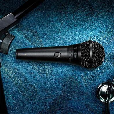 Microfone Profissional Vocal Com Fio Pga58